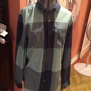 Modern Amusement Shirt Size M